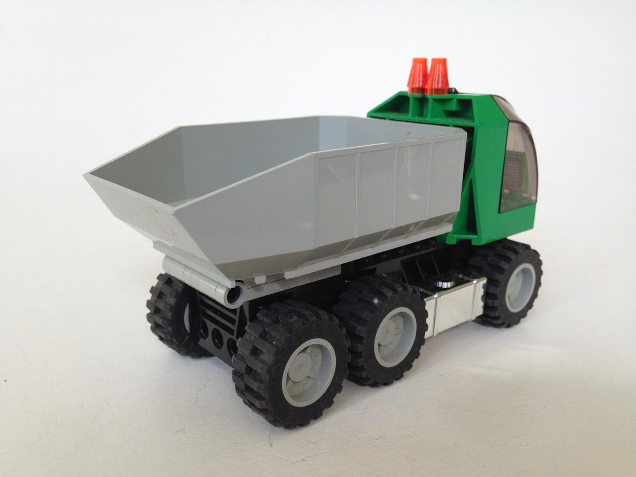 LE021 LEGO DUMP TRUCK WITH FIGURE