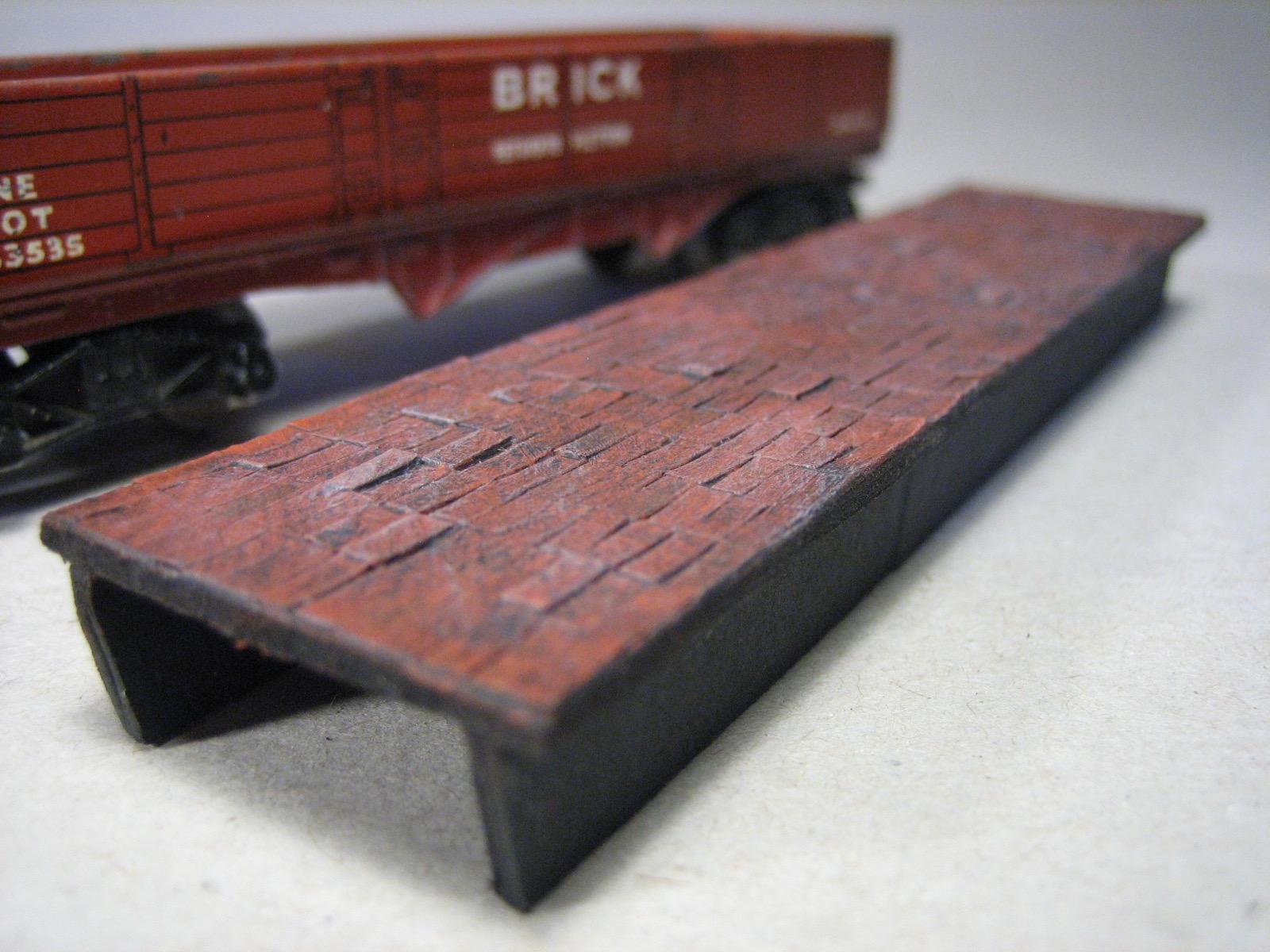 DM202 MINI CARGO HORNBY DUBLO BRICK WAGON