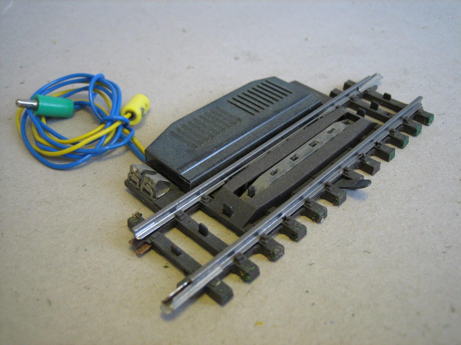 MA605 MÄRKLIN 2297 K-GLEIS ELECTRIC UNCOUPLER RAIL 90mm